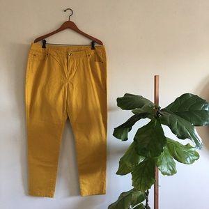APT.9 18 Yellow Skinny Leg Pants